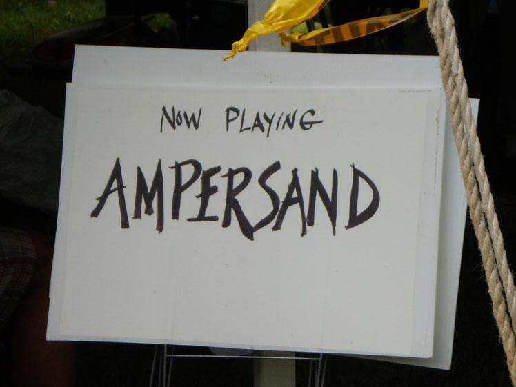 08_Ampersand