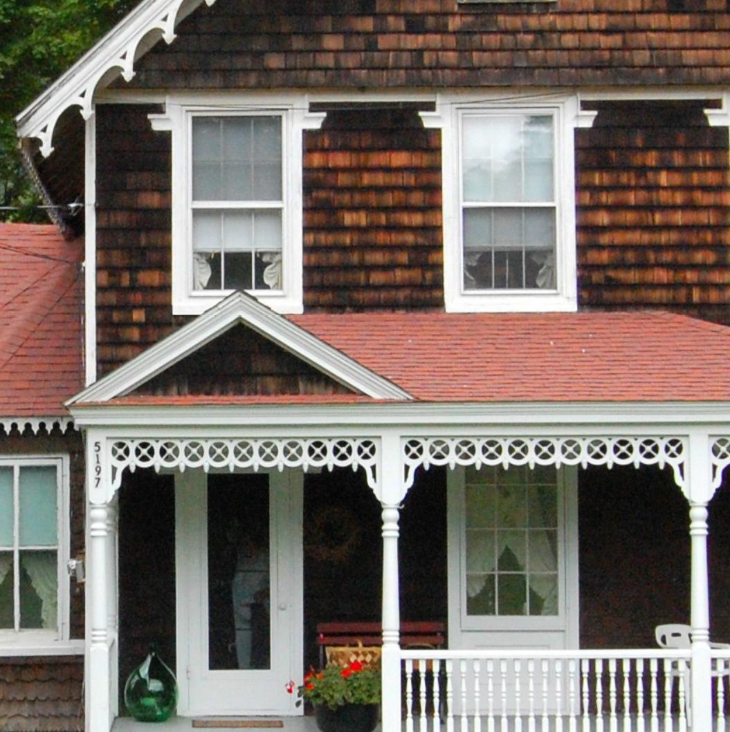 Aug House